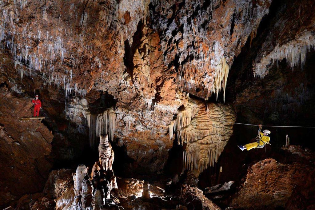 grottes-montpellier.jpg
