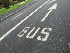Les taxis et les ambulances autorisés à rouler sur certaines voies de bus et vélos